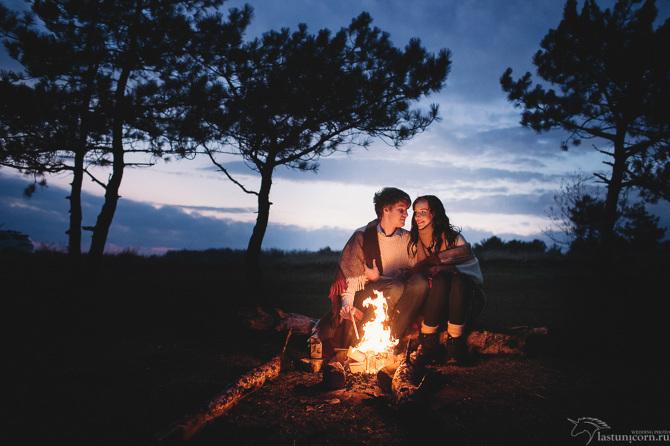 Секс на ночевке в лесу