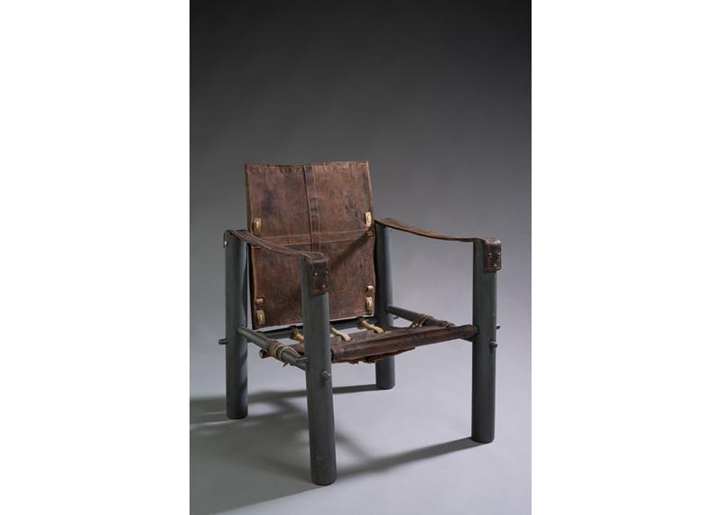 eileen gray galerie jacques de vos. Black Bedroom Furniture Sets. Home Design Ideas